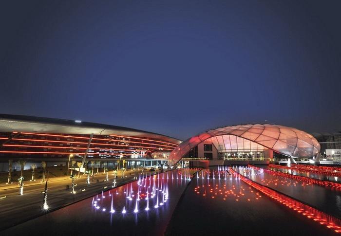 Тематический парк *Мир Ferrari* в Абу-Даби (ОАЭ)