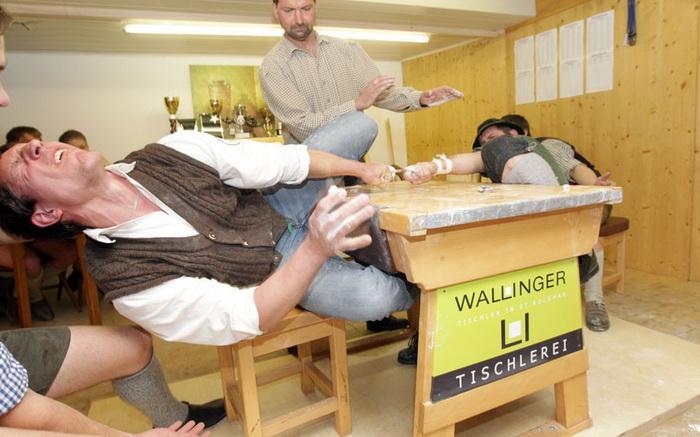 *Пальчиковый рестлинг* в Баварии
