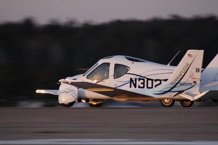 Летающий автомобиль компании Terrafugia