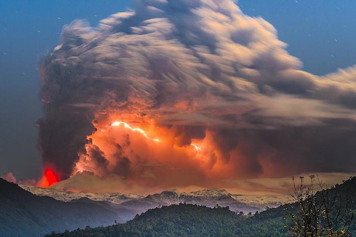 Автор цикла фотографий об извержении вулкана - Франциско Негрони (Francisco Negroni)