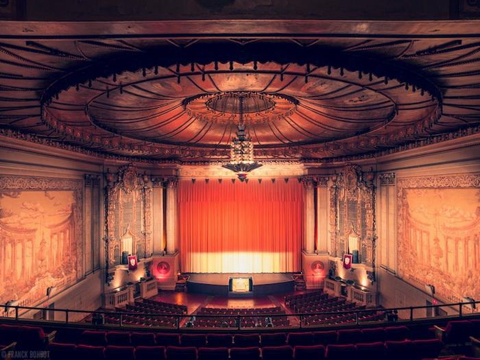 Калифорнийские кинотеатры на фотографиях Фрэнка Бобота (Franck Bohbot)