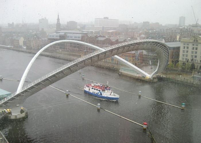 Под повернутым мостом могут проплывать крупногабаритные суда