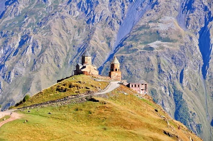 Троицкая церковь в Гергети (Кавказ)