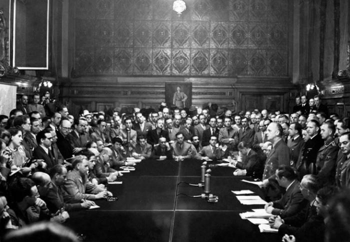 Иоахим Риббентроп заявляет о войне с Советским Союзом. Немецкая пресса называет это опережающим ударом