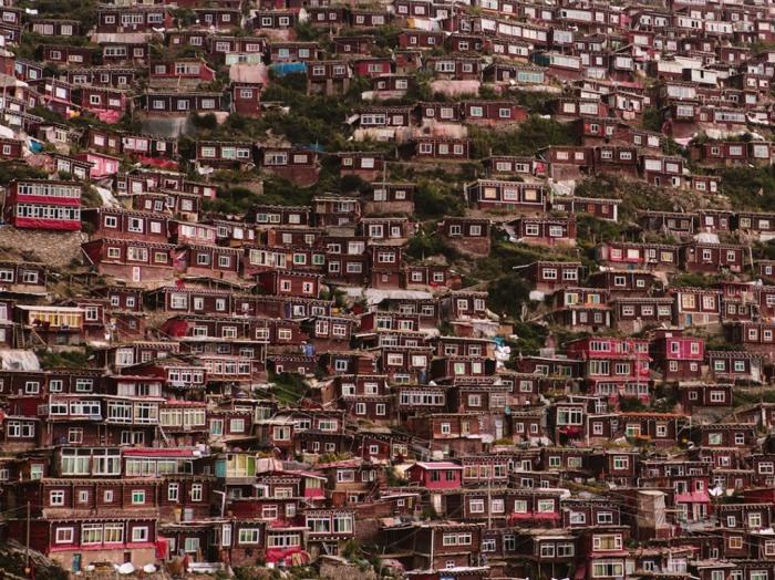 Поселение на Тибетском нагорье.