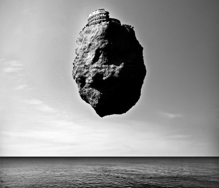 Проект *Левитация* от Giuseppe Lo Schiavo: достопримечательности, парящие над океаном
