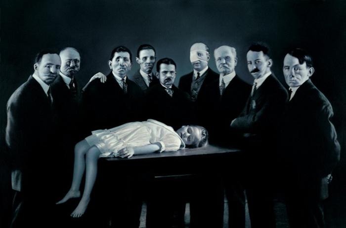 Война часто находит осмысление в работах Готфрида Хельнвайна (Gottfried Helnwein)