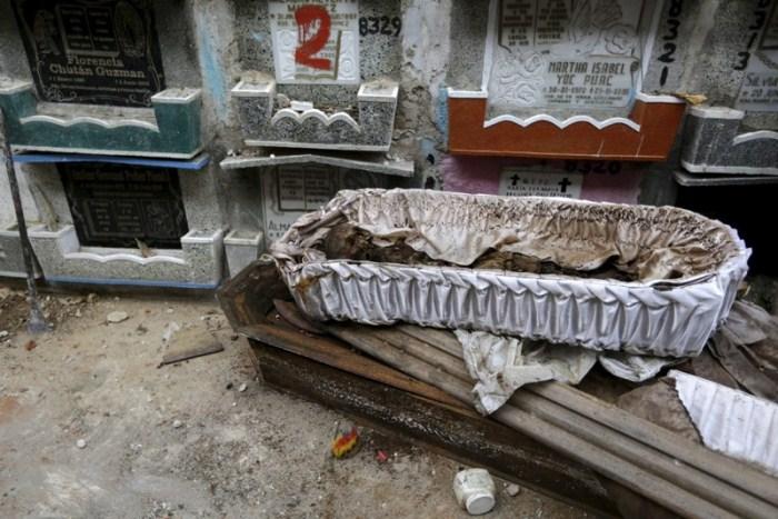 Гроб из склепа будет отправлен на свалку