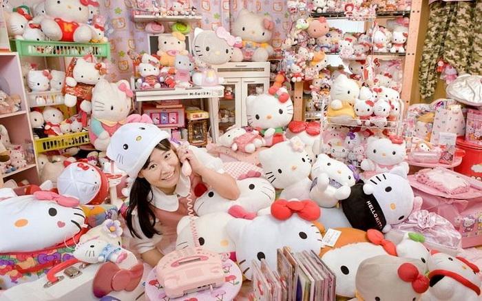 Asako Kanda - обладательница саой большой коллекции кукол Hello Kitty