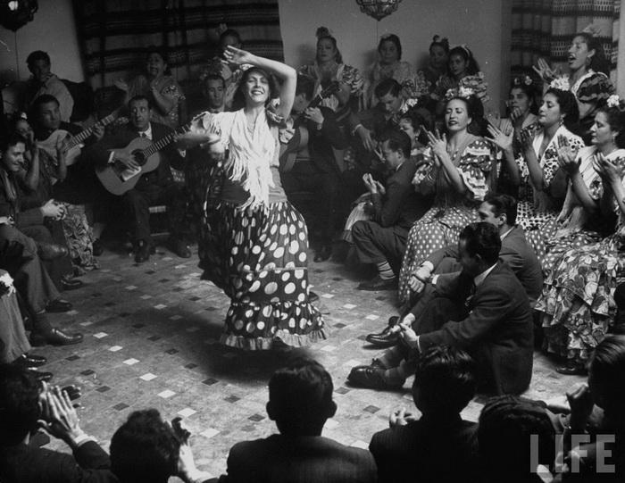 Фламенко - цыганский танец, рожденный в пещерах Андалусии
