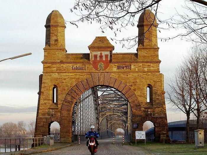 Мост Эльбброке в Гамбурге