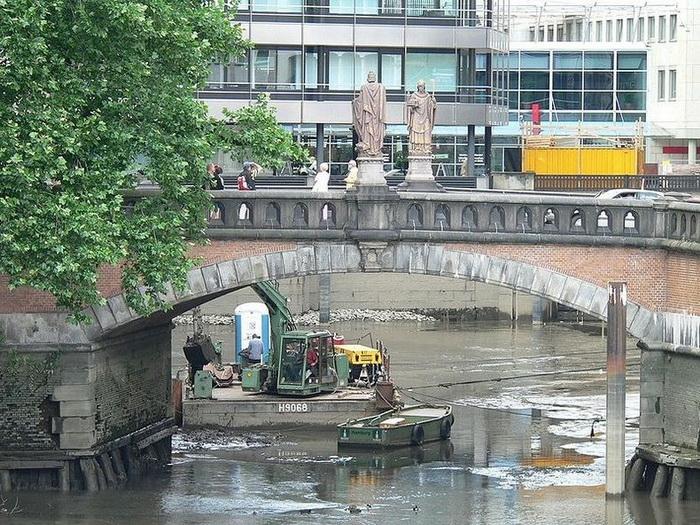 Мост Тростбрюке в Гамбурге