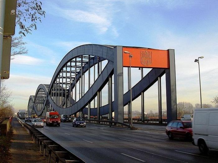 Мосты - главная достопримечательность Гамбурга