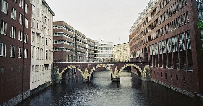 Мост Эллернторсбрюке в Гамбурге