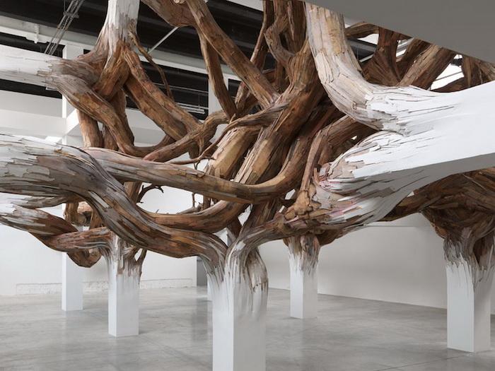 Гордиев узел: деревянная инсталляция от Энрике Оливейра (Henrique Oliveira)