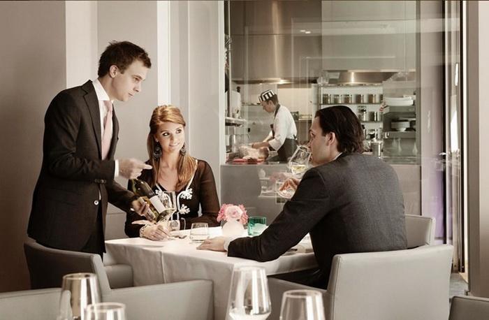 В ресторане Damiantz можно заказать тематический *тюремный* обед