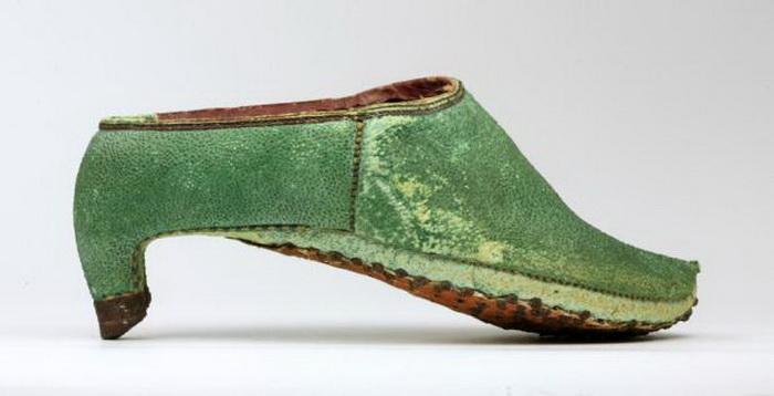 Обувь кавалерии в Персии, 17 век. Фото: batashoemuseum.ca