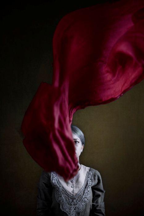 Хиджаб стал для многих женщин в Иране символом угнетения.
