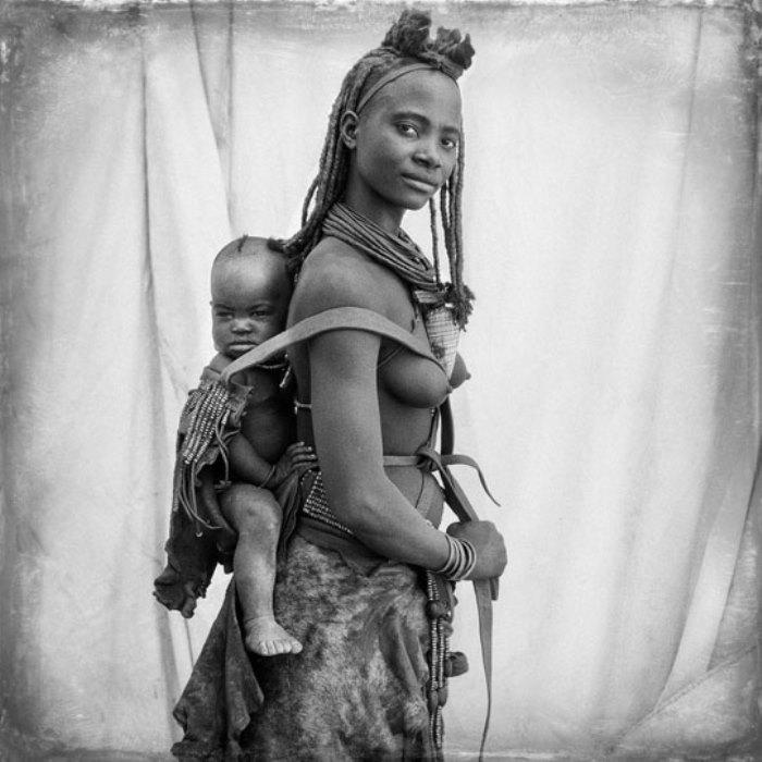 Женщина с ребенком из племени химба