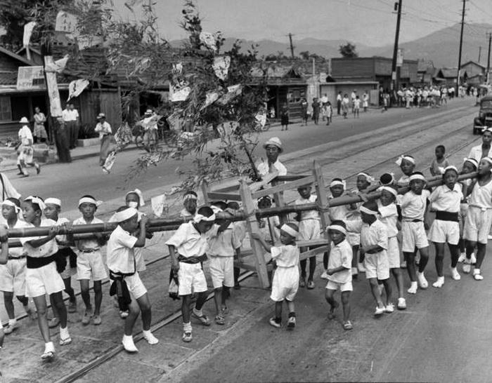 Праздник в Хиросиме, призывающий к миру