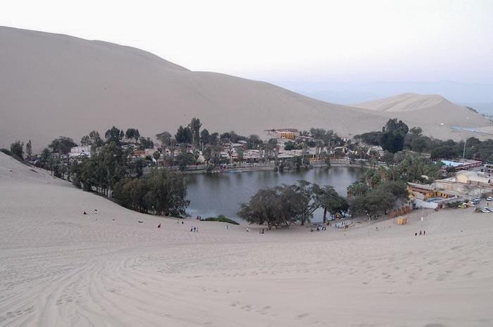 Оазис Уакачина в Перу