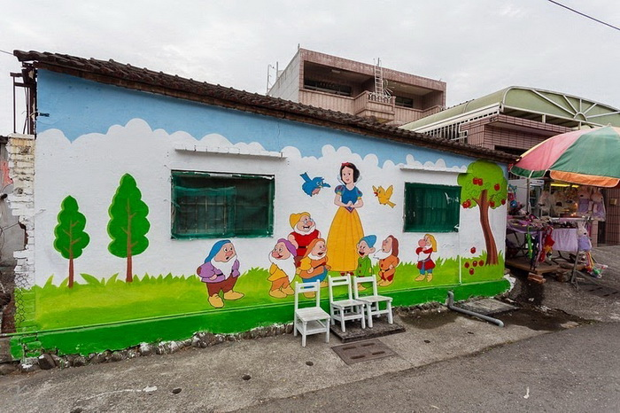 Белоснежка и семь гномов: стрит-арт в деревне Huija (Тайвань)