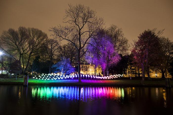 Интерактивная световая инсталляция в Амстердаме