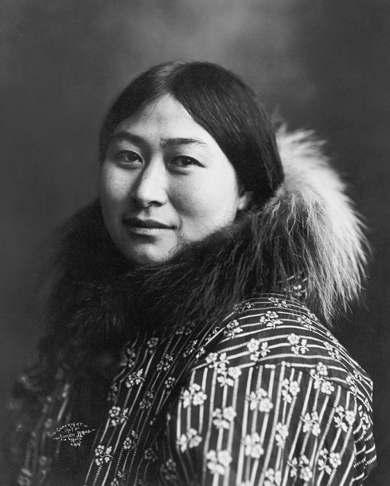 Женский портрет , Аляска, ок. 1907 г.