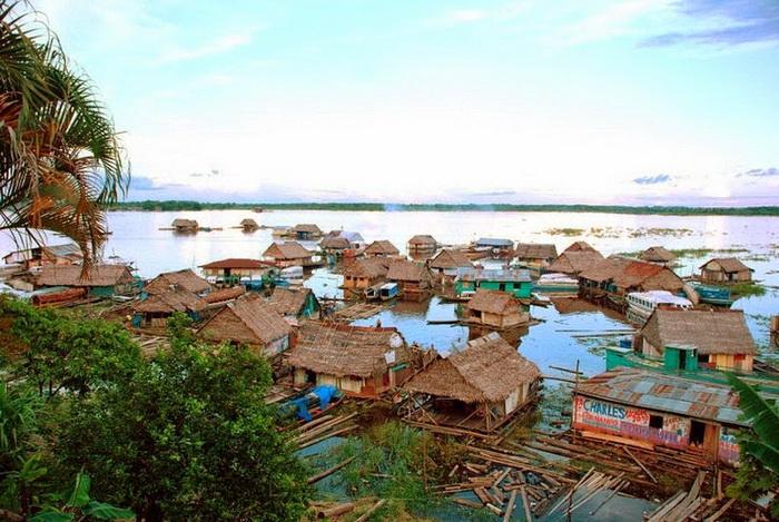 Икитос - город, который построен на воде