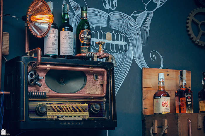 Joben Bistro - румынский бар в стиле стимпанк