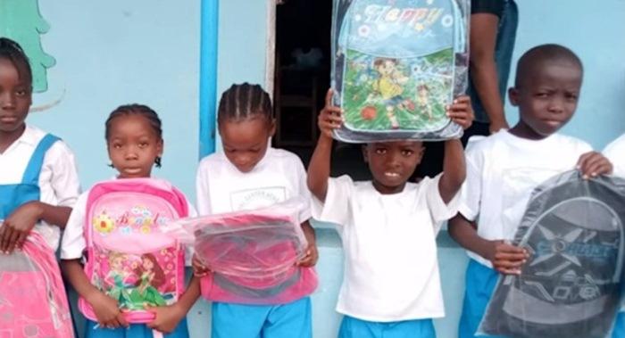 Дети из Либерии.