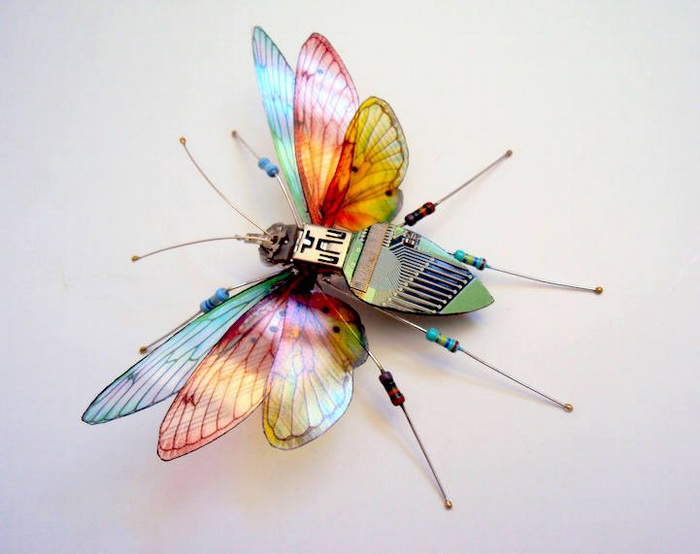 Утонченные бабочки из печатных плат от  Джулии Элис Чаппелл (Julie Alice Chappell)