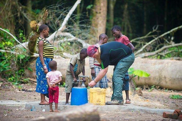 Джастин Рен сумел провести воду в отдаленный регион.