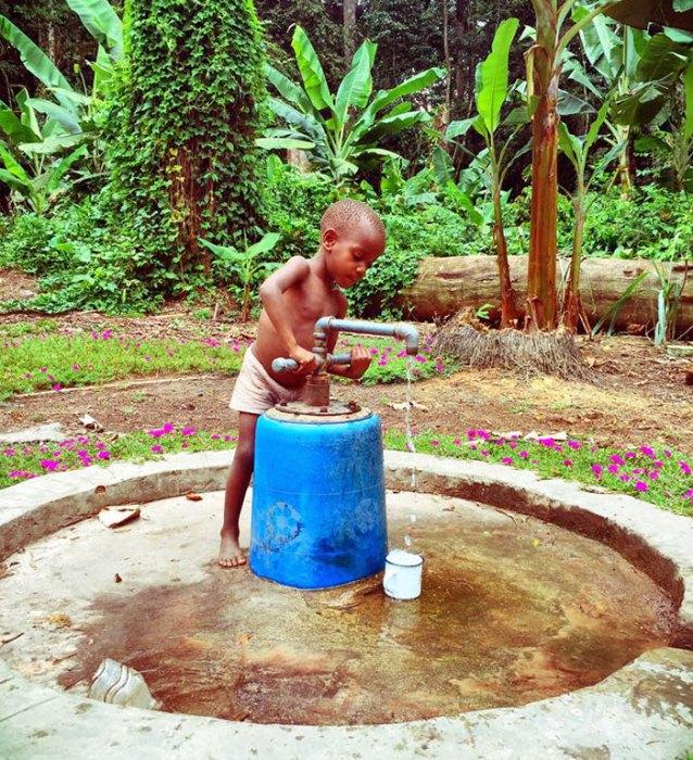 Помощь африканским племенам.