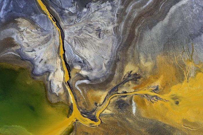 Сточные воды Жераньской ТЭС. Аэрофотография от Каспера Ковальски (Kacper Kowalski)