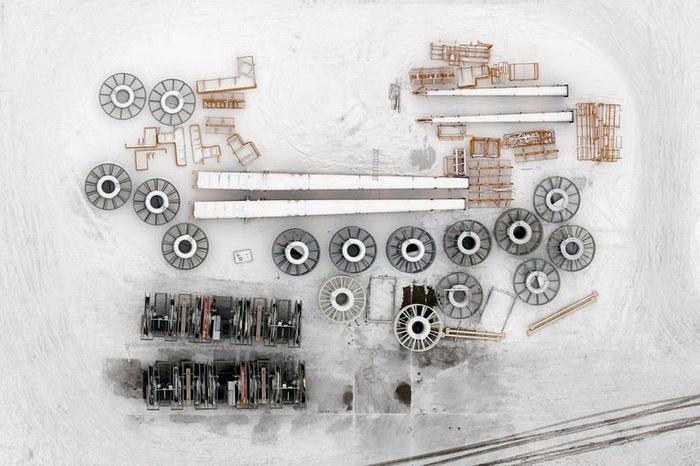 Заснеженная промплощадка в порту Гдыня. Аэрофотография от Каспера Ковальски (Kacper Kowalski)