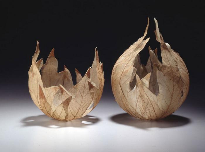 Вазы из скелетированных листьев