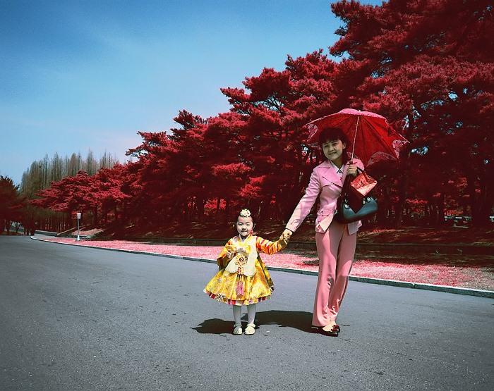 Материнство - это самоотверженный долг женщины, выполняемый на благо Родины.