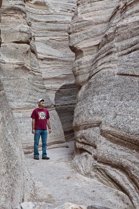 Высота скал достигает 30 м