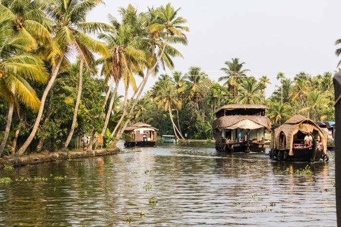 Плавучие дома в индийском штате Керала