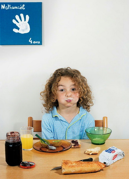 Завтрак 6-летнего Nathanael Witschi Picard из Парижа