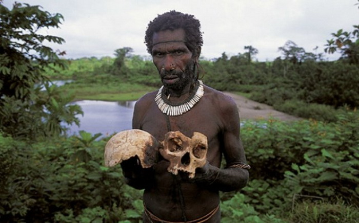 Короваи - племя каннибалов из Папуа-Новой Гвинеи