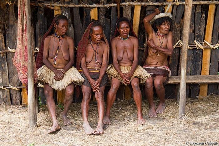 Женщины из племени куку-куку
