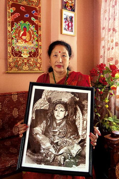 Нанимая Шакья, 57 лет. Первая кумари, получившая образование. Счастливая жена и уже даже бабушка