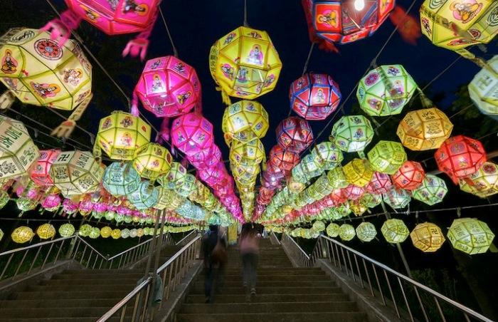 Бумажные фонарики на фестивале Lotus Lantern (Пусан, Корея)