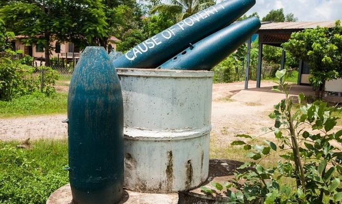 Остатки бомб в мирной жизни, Лаос