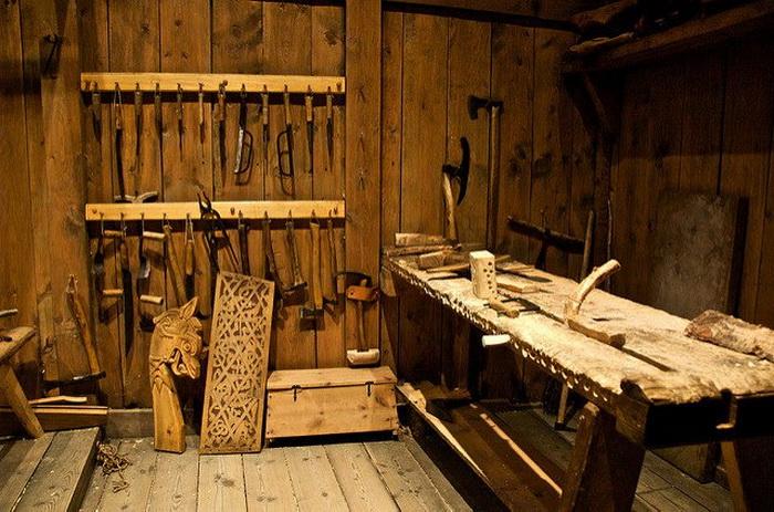 Мастерская в доме викингов.