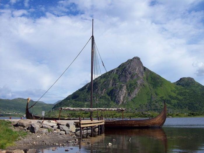 Прогулочный корабль в музее викингов.