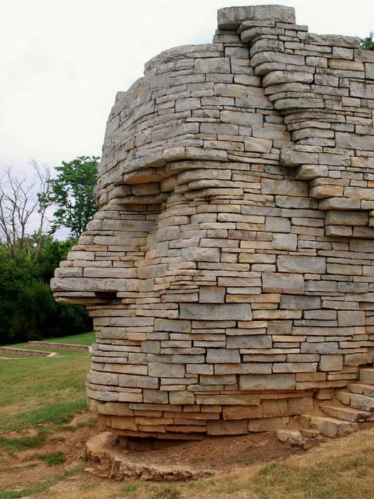 Памятник индейскому вождю Leatherlips в Дублине (Огайо, США)