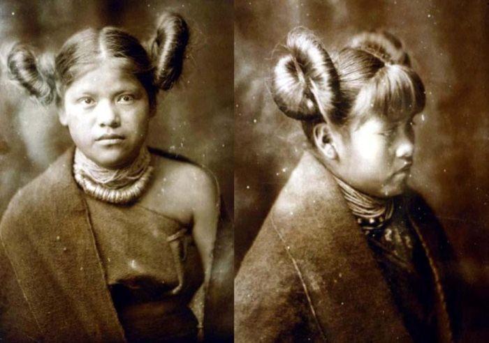 Оригинальные прически девушек хопи.